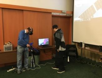 Vive-virtuaalilasien testausta Poluttamo-workshopissa 11.4.2018
